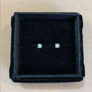 NWOT .17cttw Diamond Studs, 14kt Gold